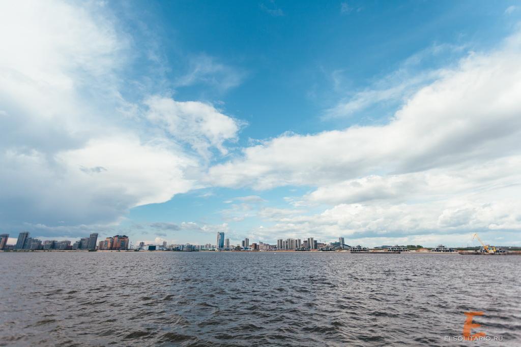 Казань - место где встречаются две реки - Казанка и Волга
